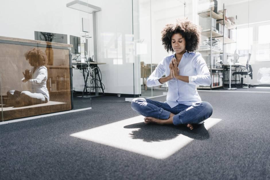 Снимите стресс и напряжение вместе с мощными медитациями для успокоения нервной системы