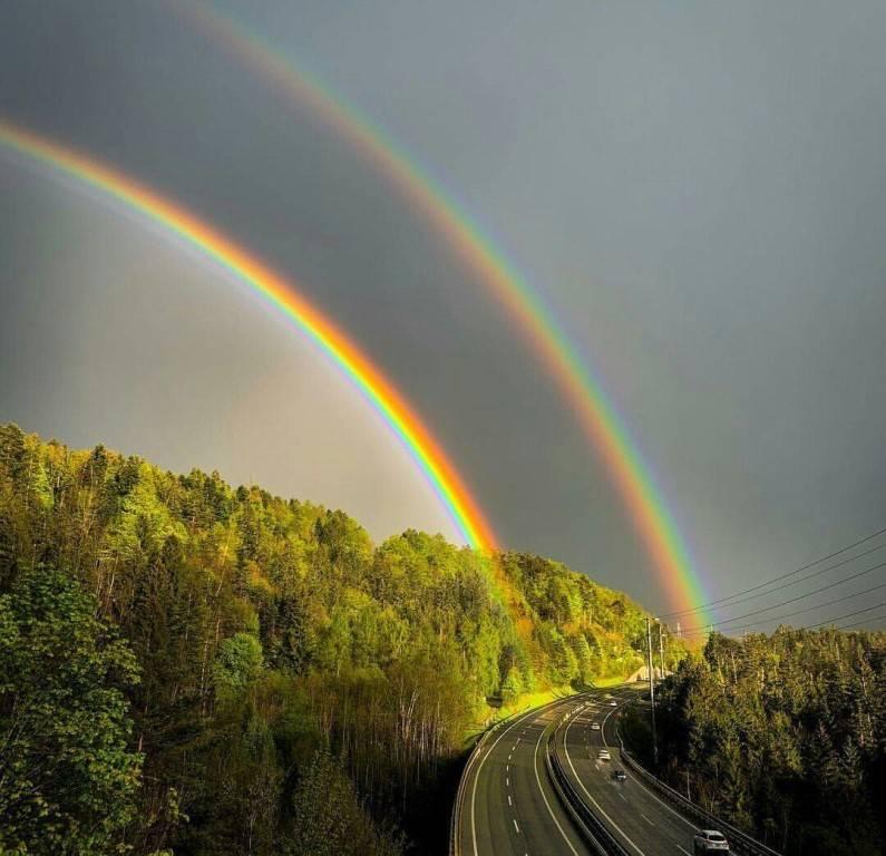 К чему увидеть радугу на небе и как правильно загадать желание