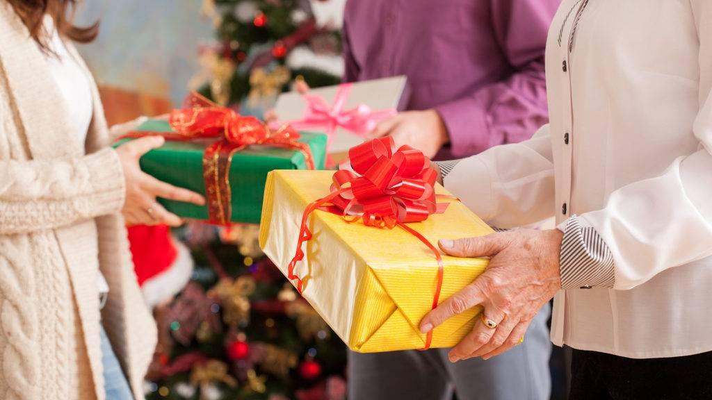 Что можно и нельзя дарить мужчине – народные приметы мужских подарков