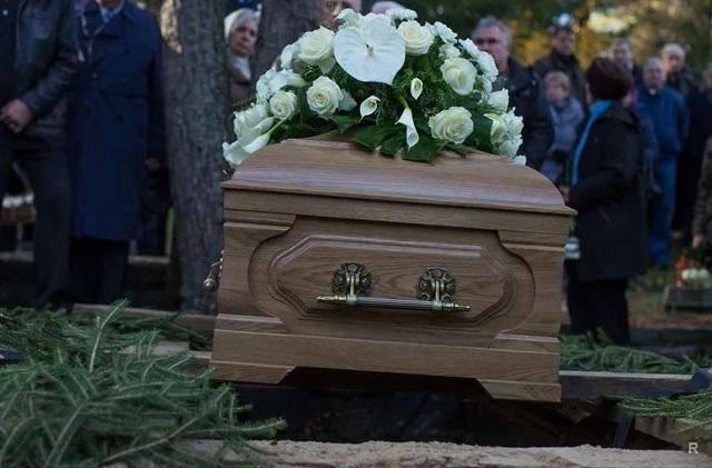 Что нельзя делать, когда умирает родственник, до 9 и 40 дней