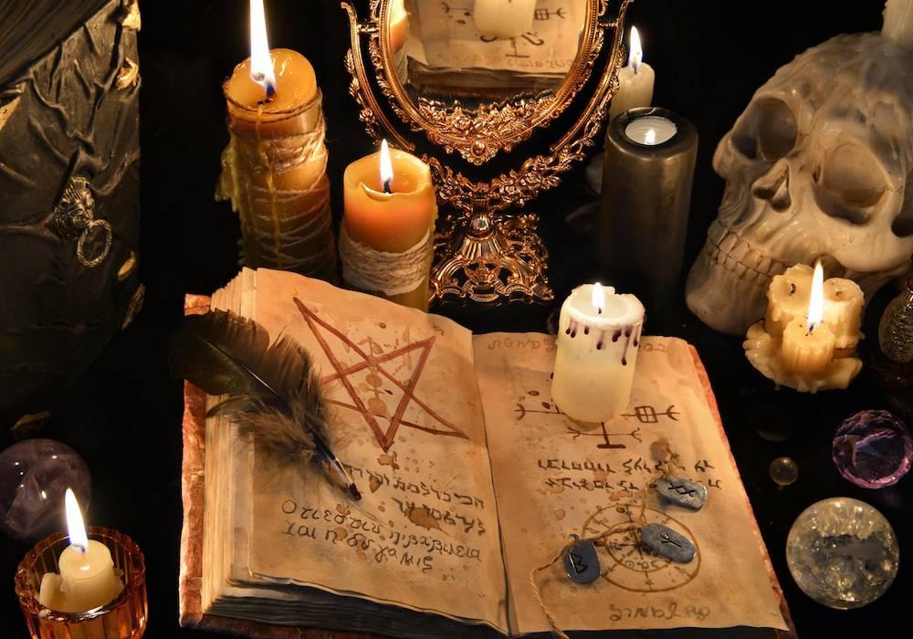 12 сильных приворотов черной магии: как читать самостоятельно
