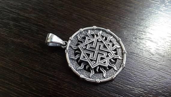 Славянский оберег валькирия - значение символики для мужчин и женщин