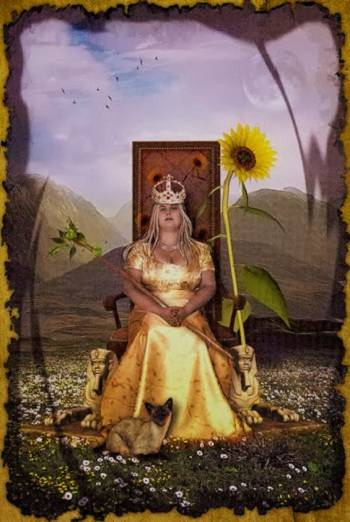 Королева жезлов: значение и описание карты таро