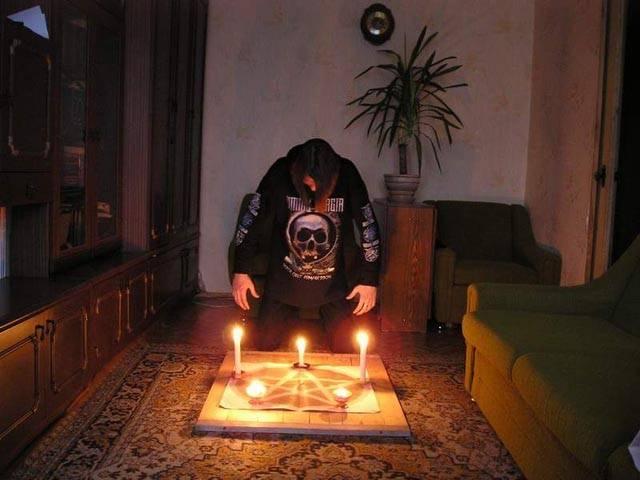 Сильный ритуал вызвать сатану в домашних условиях